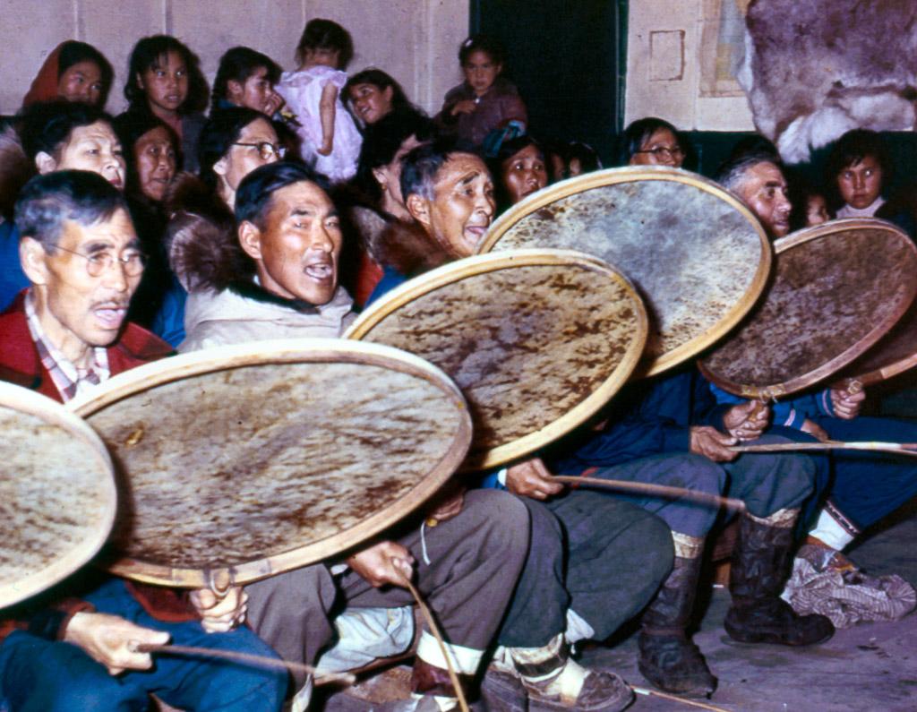 33-Eskimo-dance-band