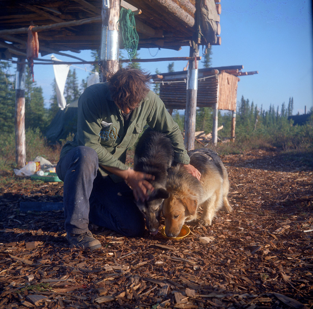 1973 Oliver's caches, friend with 2 dogs - Ambler