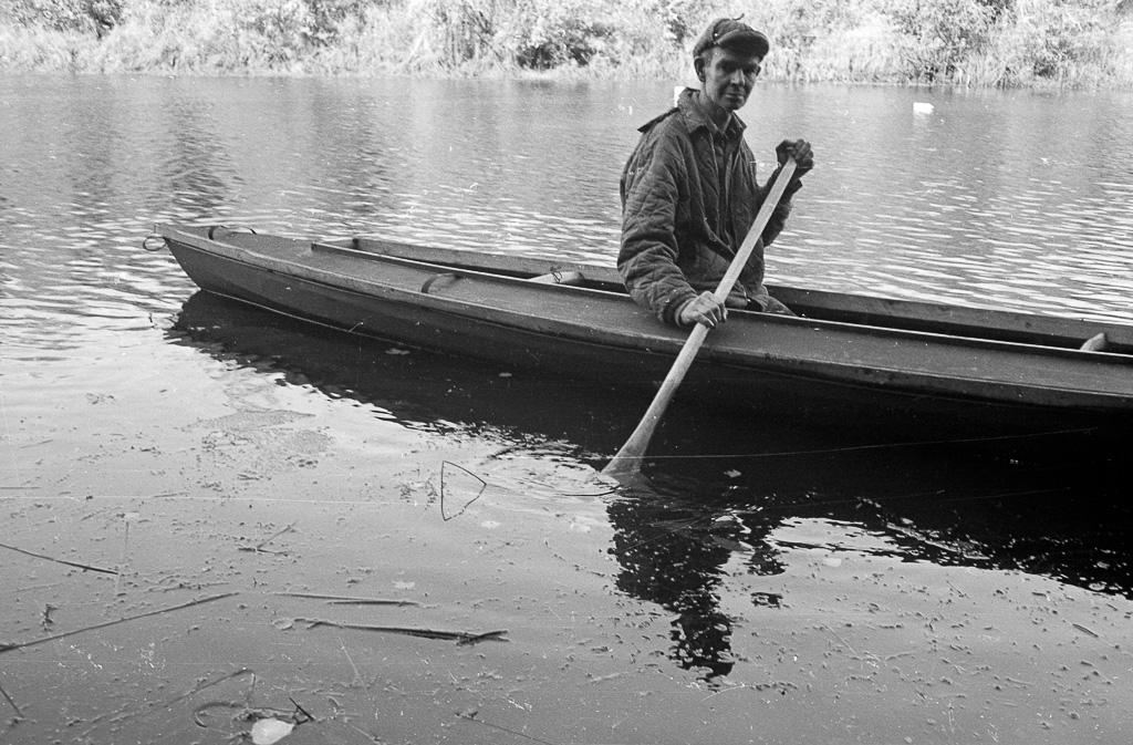 1978 Oliver in kayak, Manley, Oliver