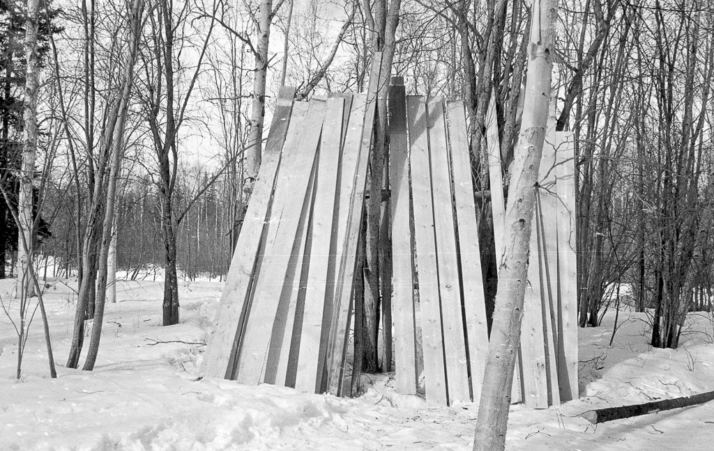 hand-sawn-lumber-drying_