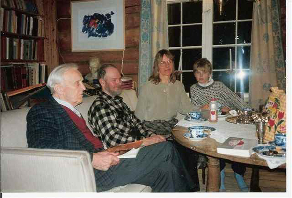 Image 144 HELGE_INGSTAD_OLIVER_ANORE_1993