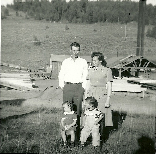 Tamarack Idaho with wife Lorene and children 1952.jpeg